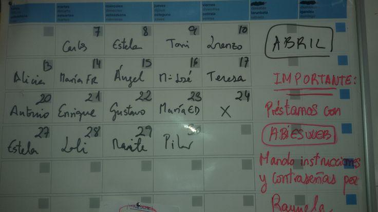 Tiempo de recreo. La entrada en la sala de profesores me ofrece nuevos mensajes.