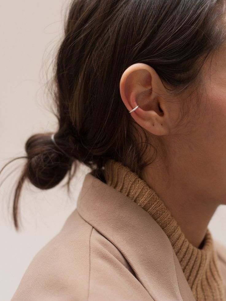A SIMPLE AND COMFORTABLE EAR CUFF, PERFECT FOR EVERYDAY WEAR. 925 STERLING SILVER AVAILABLE IN SILVER OR GOLD VERMEIL HANDCRAFTED IN COPENHAGEN SOLD AS SINGLE EARRING. PLEASE ORDER TWO IF YOU WOULD LI #SterlingSilverOutfit #SimpleSterlingSilver
