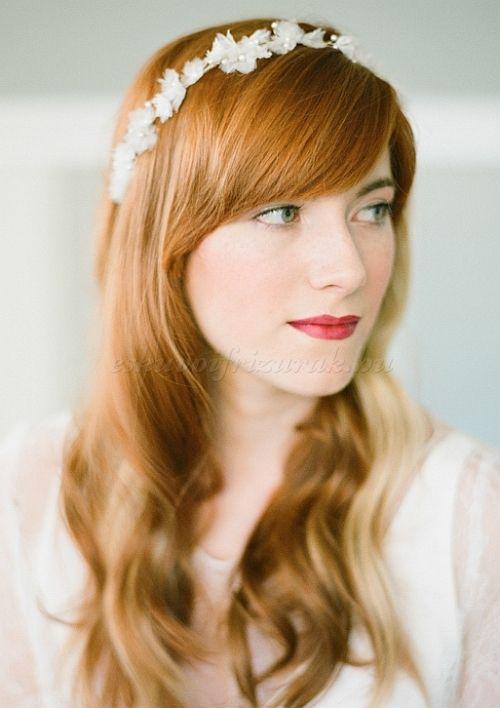 esküvői+frizurák+hosszú+hajból+-+leengedett+esküvői+frizura+hajpánttal
