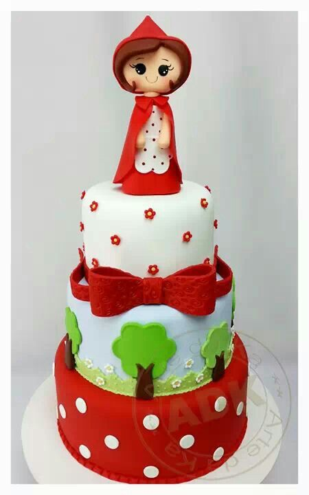 Little Red Ridinghood cake