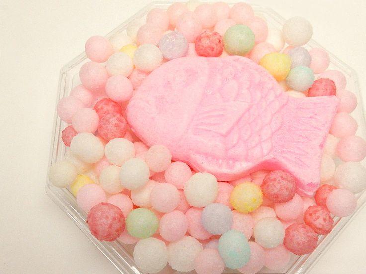 食べるだけで開運になるとされる、香川県の「おいり」をご紹介します。かわいいルックスとは裏腹に、戦国時代に生まれ、完成までに1週間もかかる伝統あるお菓子なのです。
