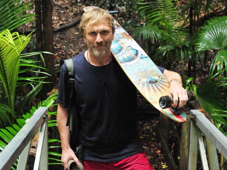 """Ansgar Brinkmann hat das Dschungelcamp freiwillig verlassen, obwohl er gerne noch länger geblieben wäre. Hier spricht er über die wahren Gründe für seinen vorzeitigen Auszug. An Tag zehn hat Ansgar Brinkmann (48, """"Wenn ich du wäre, wäre ich lieber ich"""") das Dschungelcamp verlassen...."""