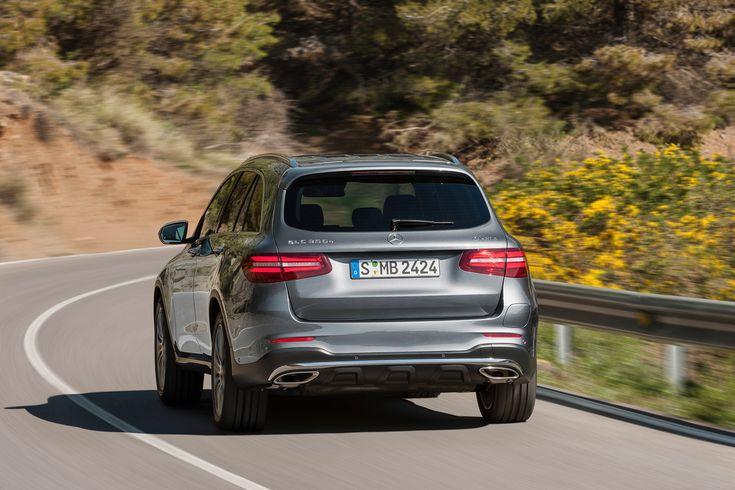 Immatriculations : Renault en tête sur l'électrique, Mercedes sur l'hybride rechargeable
