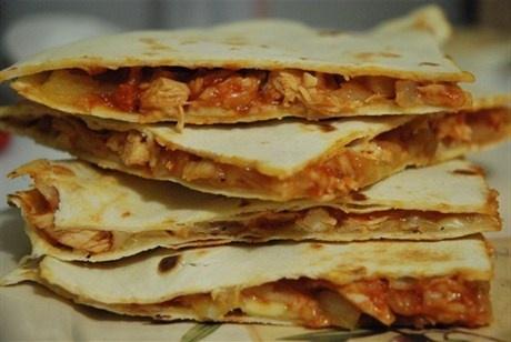 Кесадилья с курицей рецепт – мексиканская кухня: закуски. «Афиша-Еда»