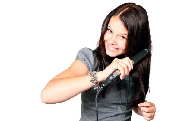 ***¿Cómo Reparar el Pelo Dañado?*** Te mostramos algunas opciones naturales para restaurar el cabello dañado, y algunos tips para descubrir las causas de ese problema....SIGUE LEYENDO EN... http://comohacerpara.com/reparar-el-pelo-danado_9840b.html