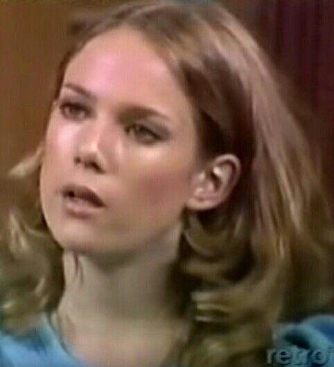 Penny Davis (Julia Duffy):