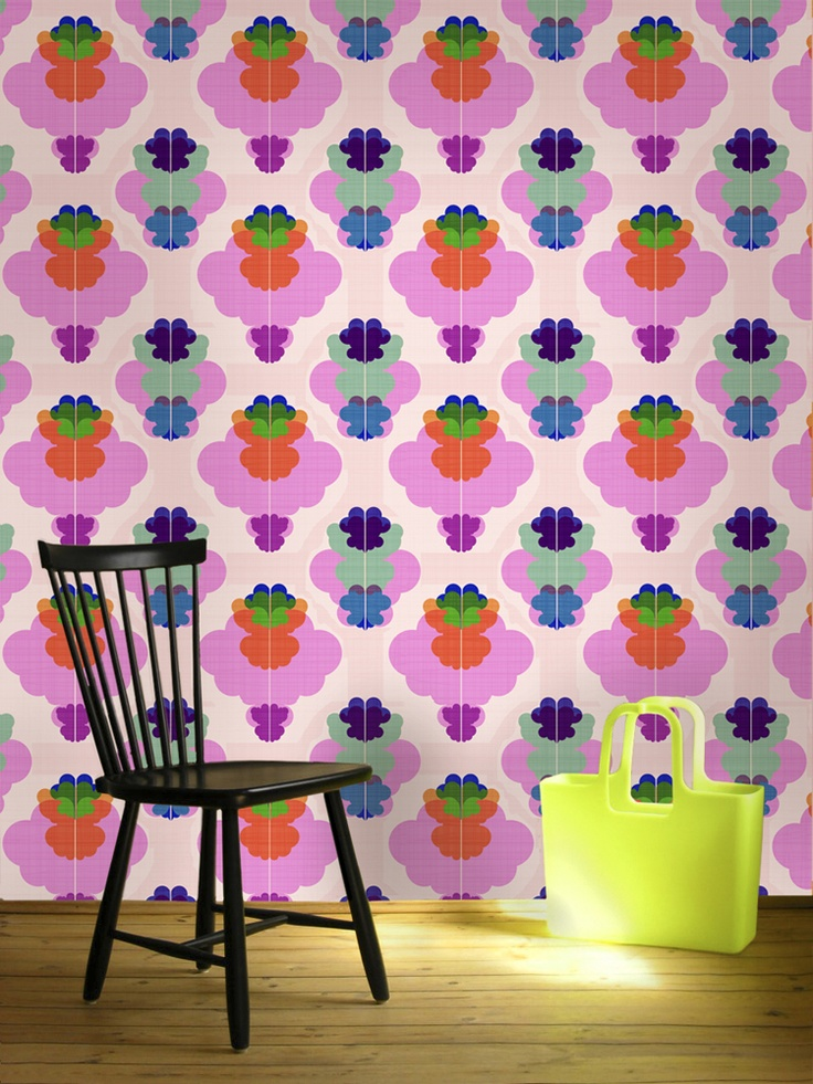 Modern Kurbits. In a smaller size. Still a tasteful wallpaper reminding us of the happy 60's with a modern twist.