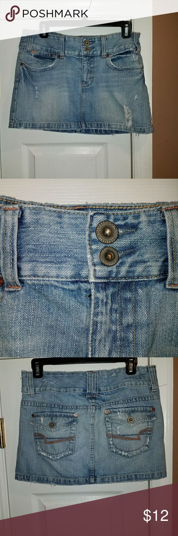 American Eagle Sz 6 DENIM DISTRESSED JEAN Skirt Good worn condition. American Eagle Outfitters Skirts Mini