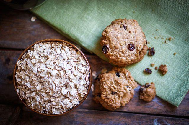 Μπισκότα νόστιμα, θρεπτικά, χαμηλά σε λιπαρά και με ίχνος κατεργασμένης ζάχαρης. Είναι πλούσια σε φυτικές ίνες και με λιγότερο από ένα κουταλάκι ζάχαρη ανά μπισκότο. Τα φρούτα αλεσμένα μέσα προσδίδουν μόνο τη φυσική τους γλύκα και φυσικά τις βιταμίνες τους, χωρίς να κάνουν αντιληπτή τη γεύση τους. Τέλος η σοκολάτα ολοκληρώνει τη γεύση του μπισκότου …