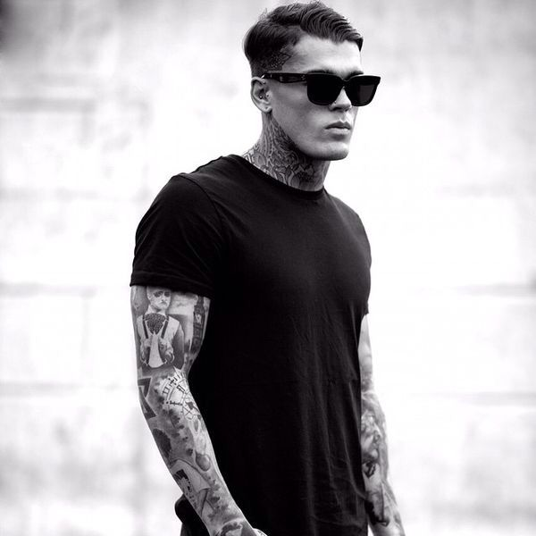 Alex (Stephen James).