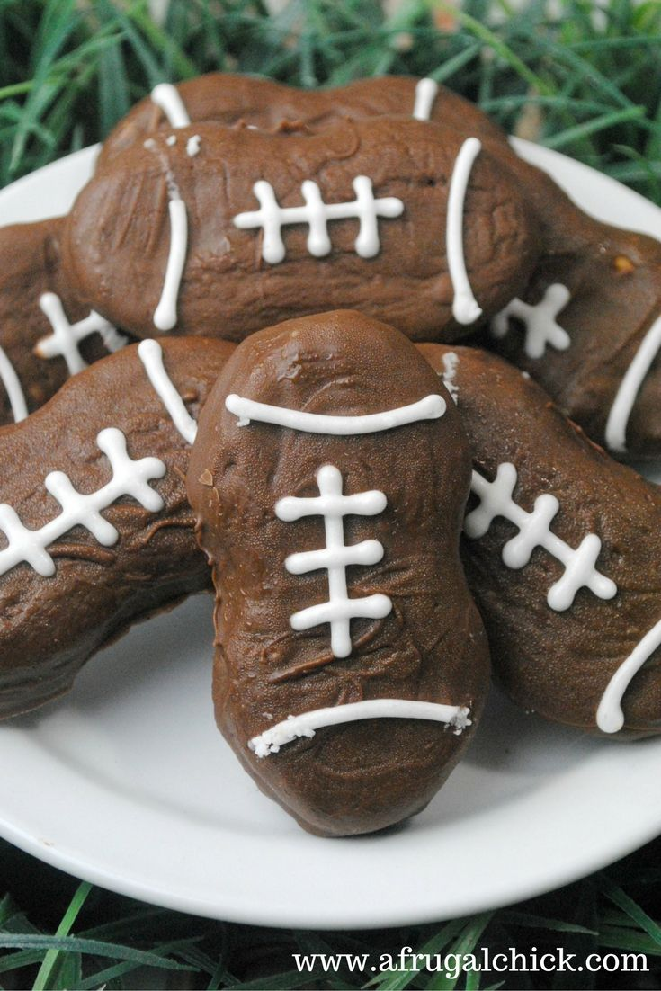 Easy Nutter Butter Football Cookies- These Nutter Butter cookies are so easy even I could make them.  You don't even have to bake anything!