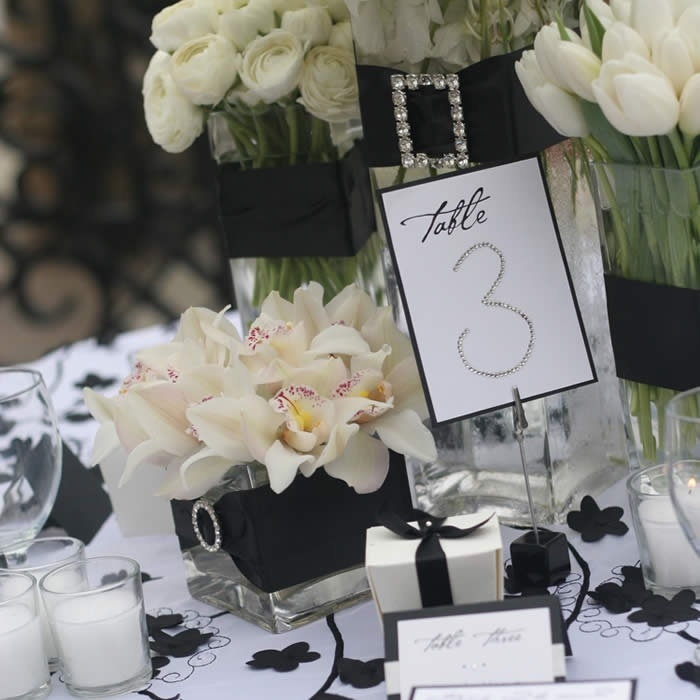 47 best images about black white tablescapes on for Black and white tablescape ideas