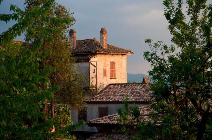 """Será que é aí que moram os personagens de contos de fadas? <a href=""""http://www.quora.com/What-are-the-most-charming-small-towns-in-Italy"""" target=""""_blank"""">Localizações sugeridas por estas respostas no site Quora.</a>"""
