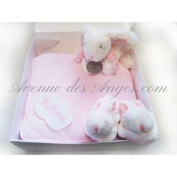 #Coffret #naissance Bonbon rose - Avenue des Anges: entourez bébé de douceur avec ce ravissant coffret naissance coordonné. http://www.avenuedesanges.com/fr/doudou-et-compagnie-bonbon/3687-coffret-naissance-bonbon-rose-avenue-des-anges.html