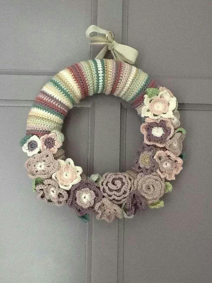 Crochet wreath from Fabbadashery