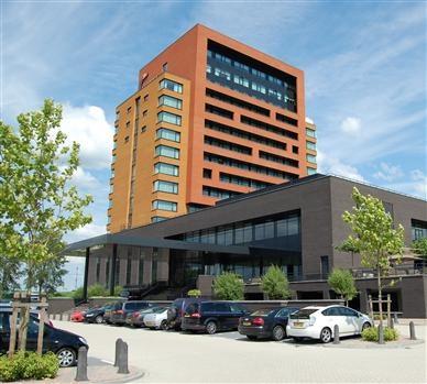 Gelegen op steenworp afstand van Arnhem ligt Hotel Duiven bij Arnhem A12. Een unieke locatie met alle comfort die u van een 4-sterren hotel mag verwachten!