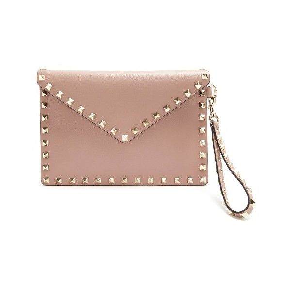 Valentino Rockstud leather envelope clutch (855 CAD) ❤ liked on Polyvore featuring bags, handbags, clutches, nude, nude clutches, leather clutches, envelope clutch bag, leather purse and valentino purses