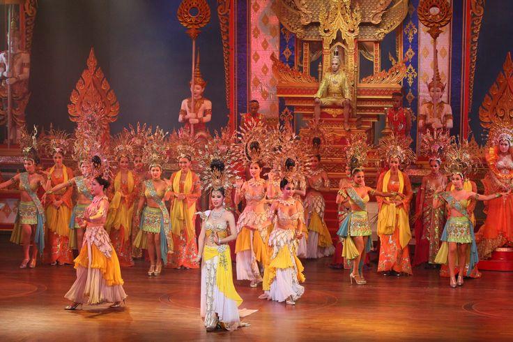 Dünyanın en özel sahne gösterileri arasında gösterilen, Tayland'ın en büyük kabare tiyatrosu Alcazar, muhakkak gidilmesi gereken bir gösteri merkezi. Aramızda kalsın ama, Alcazar'da show'lar ağzınızı açık bırakacak kadar sürpriz bir sonla bitiyor! #alcazar