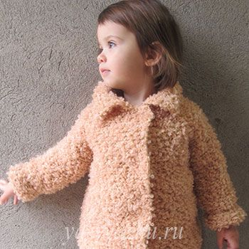 Детское буклированное пальто спицами