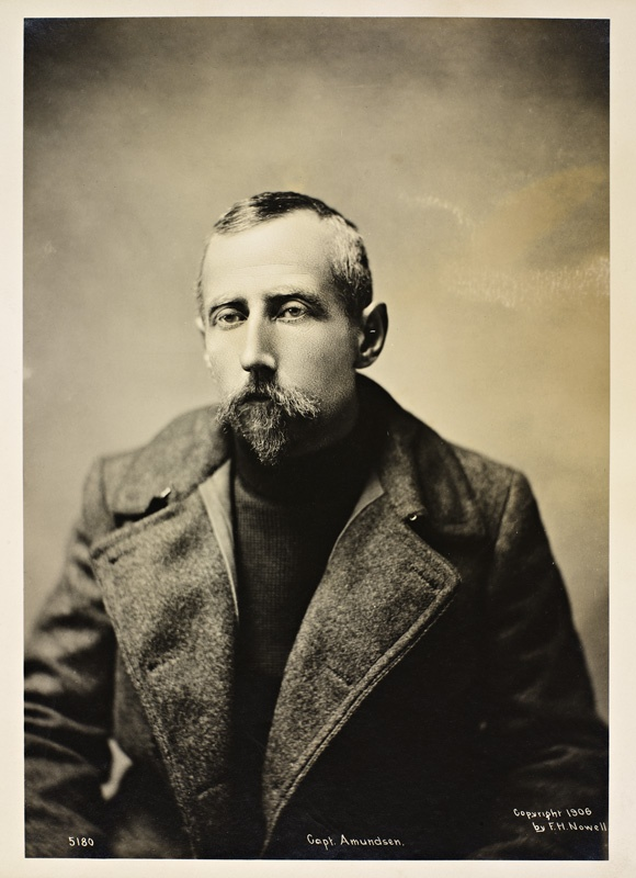 Roald Amundsen, 1906. F. H. Nowell / Nasjonalbiblioteket