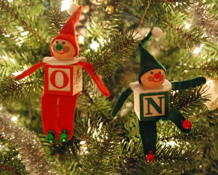 "A use for those old wooden ABC blocks from childhood.    ""that artist woman: How To Make an Alphabet Block Elf Christmas Ornament"""