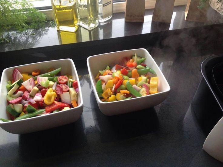 groentes koken in airfryer, voorverwarmen 5 min. op 200 gr. Goed afgespoelde groente in kleine blokjes 6 min bakken. Alle vitamines blijven behouden!