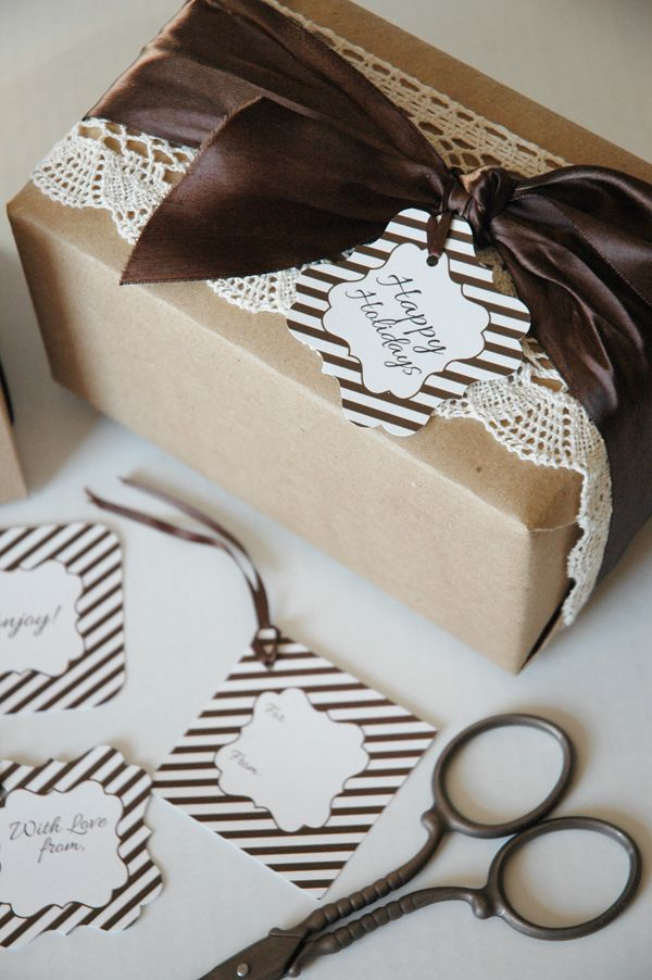 You'll find a lot of FREE Printable Holiday Gift Tags available in @The TomKat Studio Holiday Gift Guide!! You may find the perfect tag you need for your Cookie Exchange. #holidayentertaining