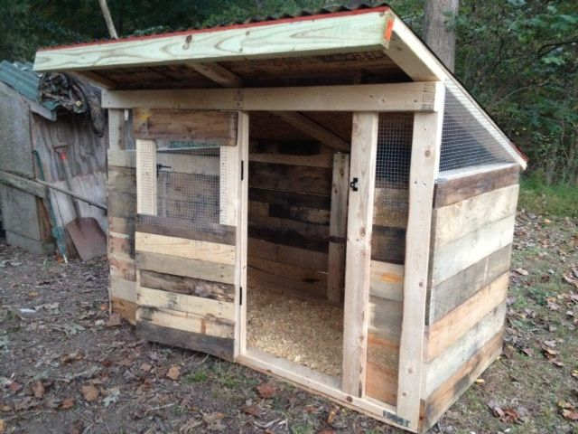 Chicken coop from pallets                                                                                                                                                                                 More