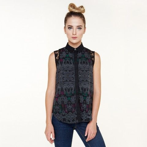 Kana Sleeveless Blouse