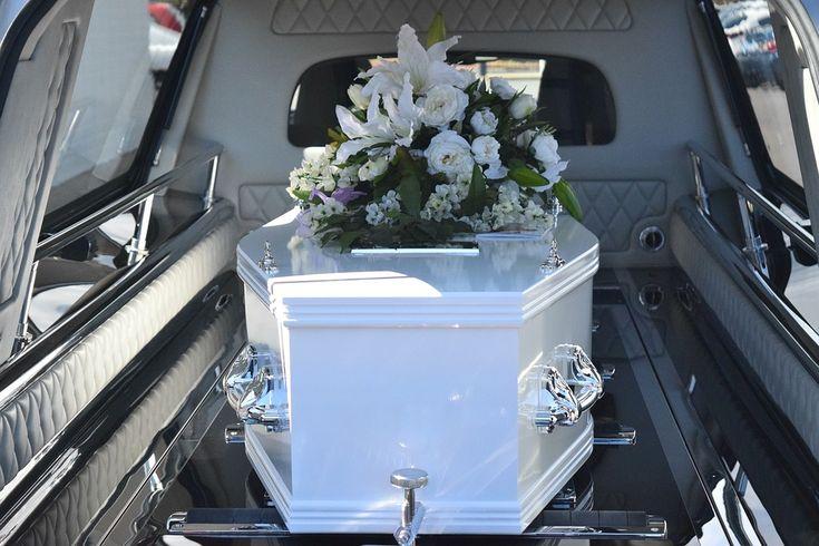 Comment et à quel moment présenter ses condoléances ? #Famille