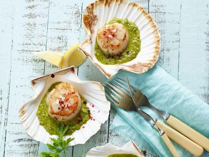 Coquilles Saint-Jacques à l'ail vert et sauce piment - Recettes