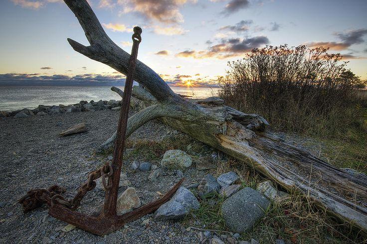 rusty-anchor-at-sunrise-eric-gendron.jpg (JPEG Image, 900×600 pixels)