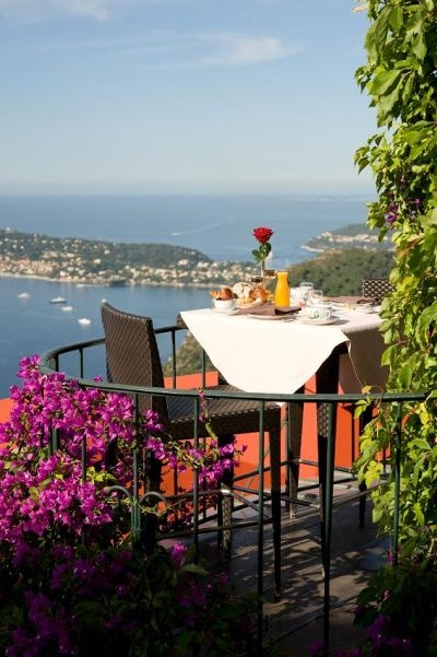 LA CHEVRE D'OR in Eze - breakfast with a view.