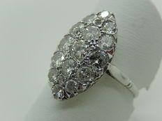 Witgouden ring bezet met 2 karaat aan diamanten