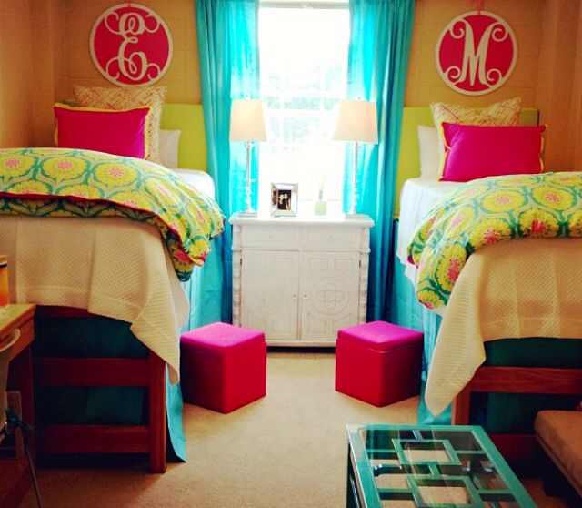 421 best images about dorm room ideas on pinterest for Cute college apartment bedroom ideas