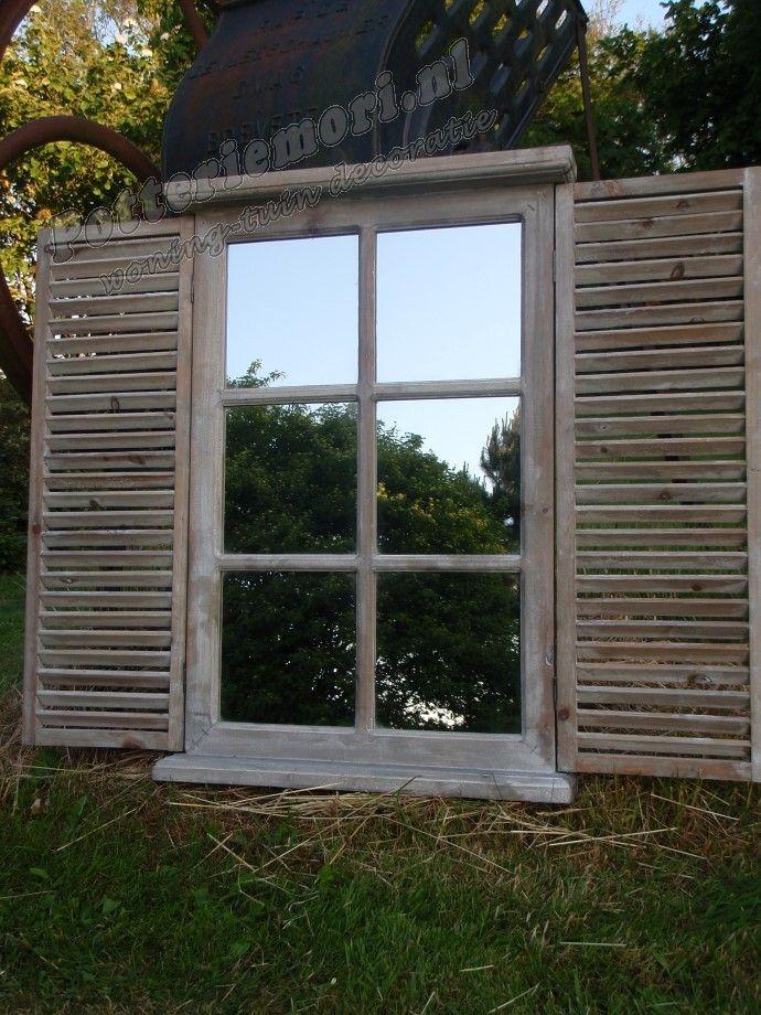 Potteriemori.nl   Houten tuinspiegel met Louvre deuren 70,5x87,5x7 cm (hxbxd) whitewash.   - tekstborden - klokken - krijtborden - fotolijsten