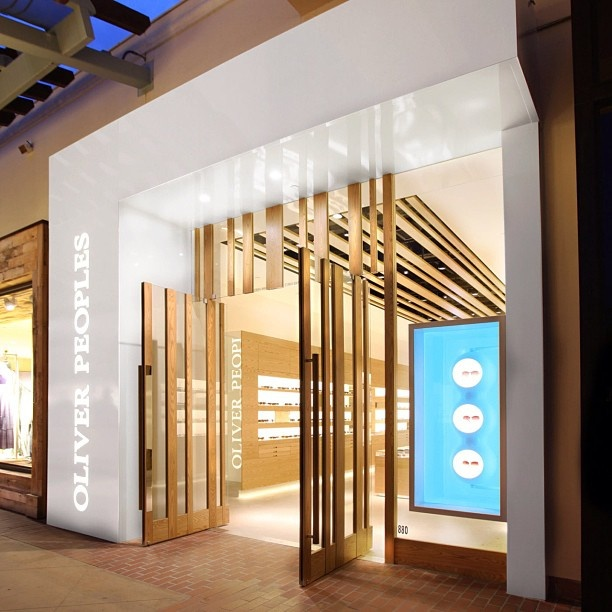 The san diego boutique retail pinterest fa ades for Architecture commerciale definition