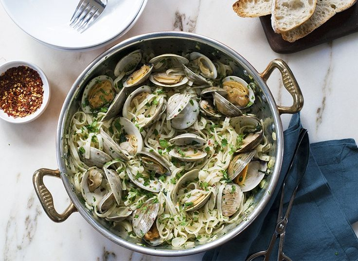 Classic Linguine with Clam Sauce