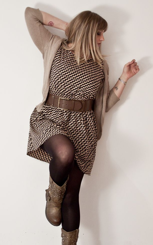 Curvy Outfit: gorgeous patterned brown belted dress with nude cardigan and boots. #plus size #curvy fashion