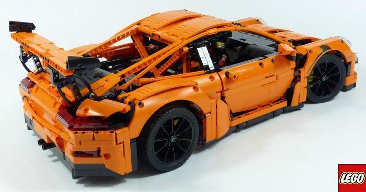 Este es el juguete o la pieza de ingerirá más exclusiva (como quieran llamarlo) que Lego ha creado hasta el momento. Nos referimos a la alianza que hizo con la compañía alemana de automóviles deportivos, 'Porsche', para juntos armar uno de sus más emblemáticos y deportivos coches, el 911 GT3 RS a escala.