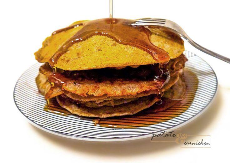 Après notre recette de crêpes vegan, on ne pouvait pas en rester là, comme si de rien n'était ! Alors, on a décidé de te partager notre recette de pancakes sans lait et sans oeufs qui est une véritable tuerie :-) .