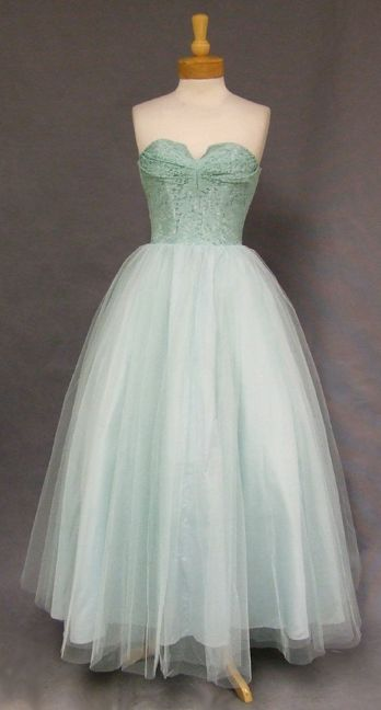 1950's Lace and Tulle Strapless Dress