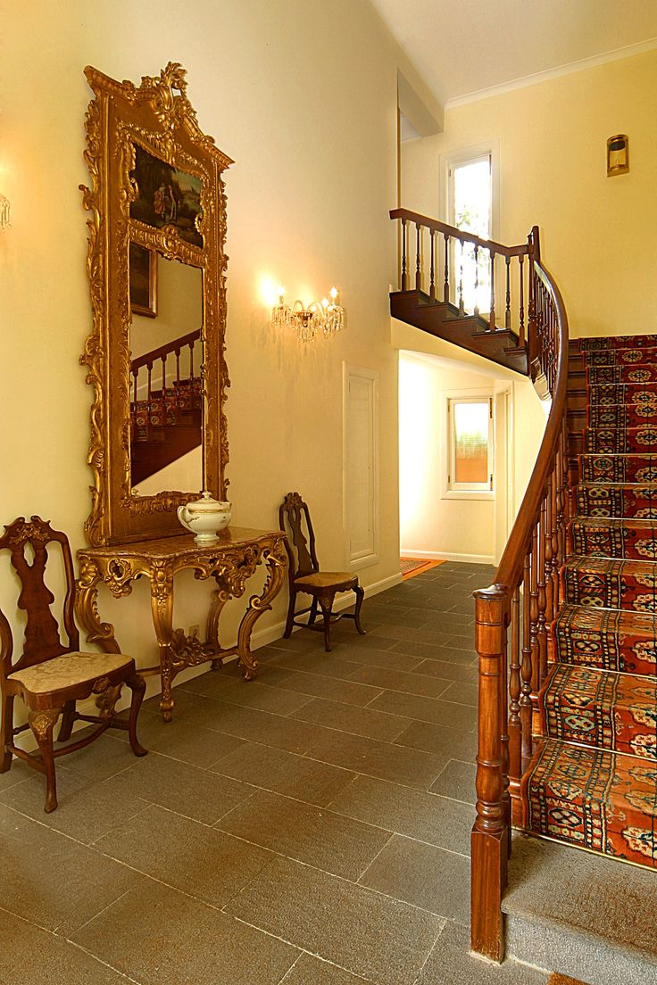 Quinta da Bela Vista | Design Hotel | Portugal | http://lifestylehotels.net/en/quinta-da-bela-vista | stairwell, vintage, old, design, fancy, chic, luxury