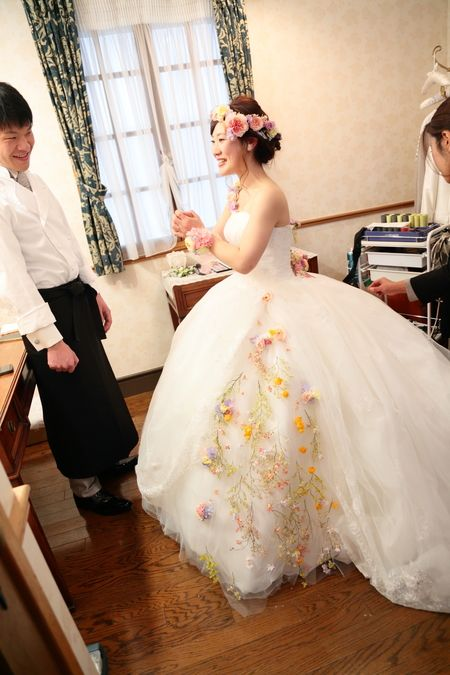 新横浜、Hanzoyaの花嫁様と花婿様。   未来予想図には、  目を細めているあなたがいる、  という歌が、頭の中でヘビロテしていましたと...