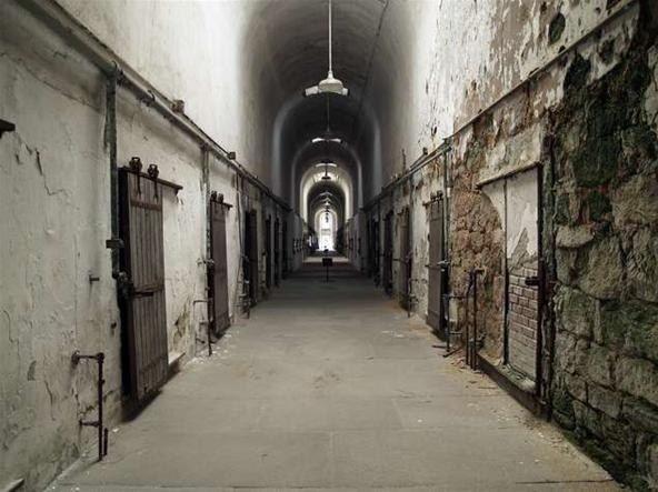 pics of abandoned alcatraz prison