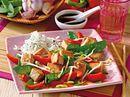 Vegetarisches Gulasch mit Tofu, Sojasprossen und Ingwer