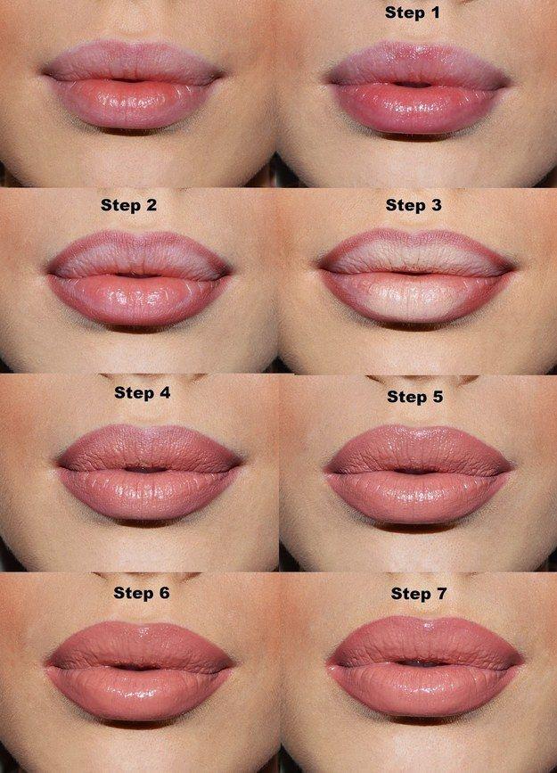 Wenn Du möchtest, dass Deine Lippen voller aussehen, kannst Du einfach in der Mitte Deiner Lippen hellen Stift auftragen.