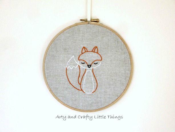 Kijk wat ik gevonden heb op Freubelweb.nl: Vos | Fox #embroidery http://www.freubelweb.nl/freubel-zelf/zelf-maken-met-borduurgaren-vos/