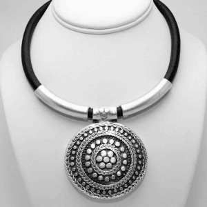 Wholesale silver necklace. Model A1111. Part of collection 111. The Empire jewellery collection. Silver plated jewellery from Turley.