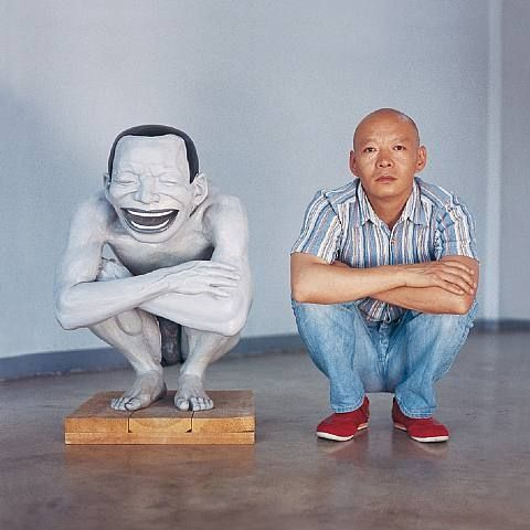 yue minjun - Yue Minjun born 1962, is a contemporary Chinese artist based in Beijing, China. He is best known for oil paintings depicting himself in various settings, frozen in laughter.